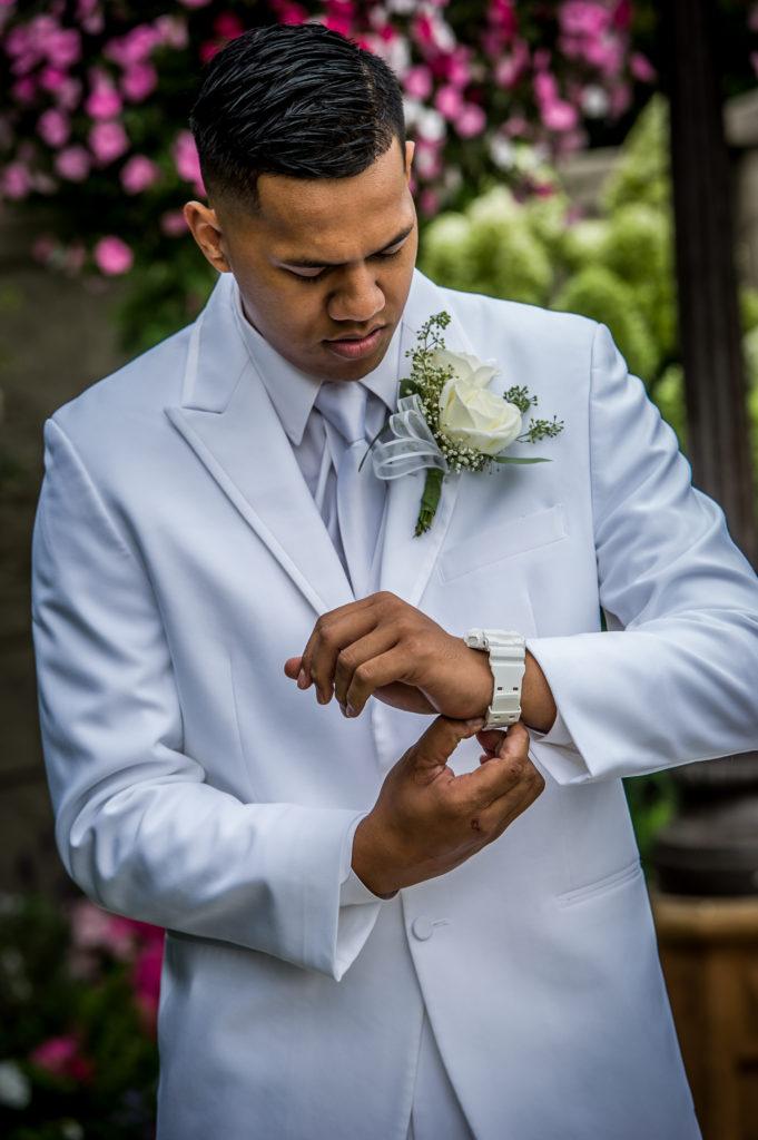 groom getting ready Ryan hender photography le garden wedding venue sandy utah
