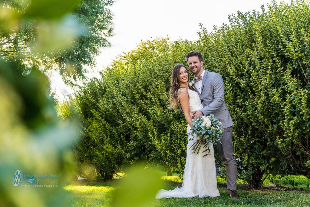 stunning backyard wedding photogrpahy